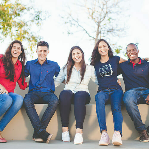 Academic Advisors: Image of Students on Campus